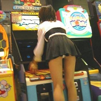 【エロ画像】 見せ槍チンポで強制発情!! デカチンポを美少女ヒロインに押しつちゃってる二次エロ画像www part112